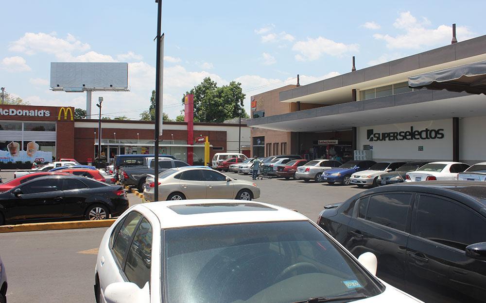 McDonald's | El Encuentro | Roosevelt, San Miguel
